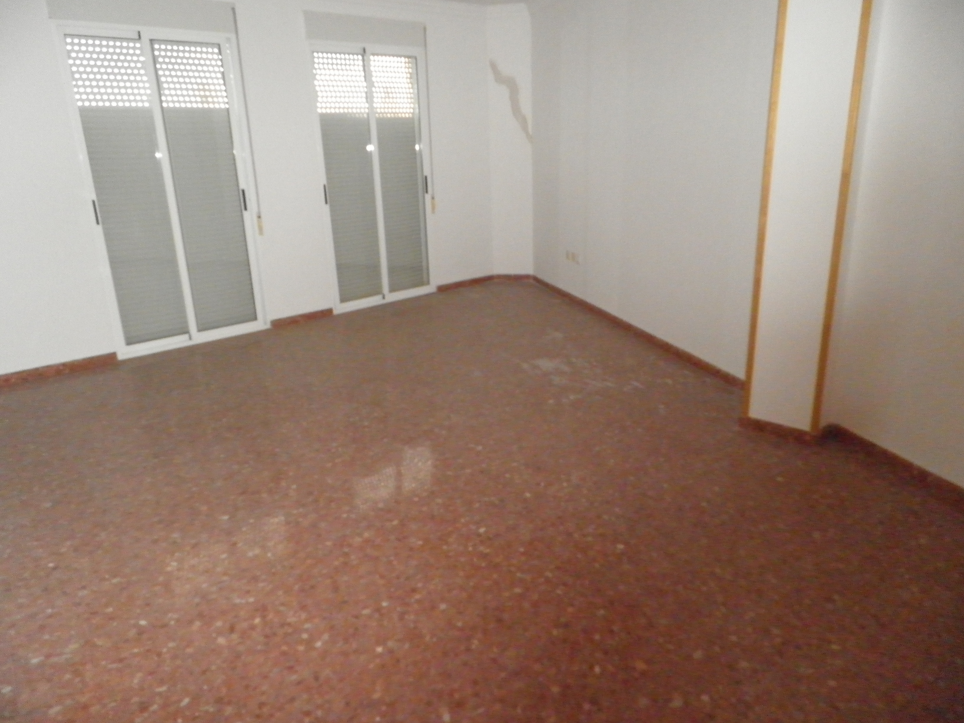 Piso nuevo inmobiliaria llagaria inmuebles en venta y for Piso nuevo valencia